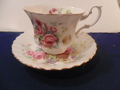 Royal Albert Cup/saucer Roses In A Basket