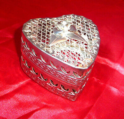 Stunning HEART SHAPED SILVER PLATED TRINKET JEWELLERY BOX w Embossed ROSE