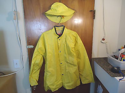 "Vintage Adult Size Uniroyal Series 3000 Yellow Rain Coat And Hat "" GREAT COLLECT"