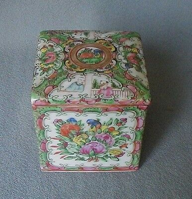 ANTIQUE 19th C. CHINESE PORCELAIN  ROSE MEDALLION SQUARE LIDDED TEA CADDY  BOX
