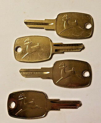 FOUR Vintage JOHN DEERE Ignition Key Blanks W/ Leaping Deer Logo On - NOS Uncut