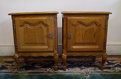 Louis Xv Style Vintage French Carved Oak Pair Of Bedside Cabinets - (11729)