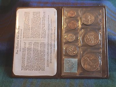 New Zealand Official 1969  Coin Collection Set With Folder & Coa