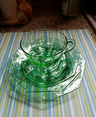Vintage Heisey Octagon tea cups saucers plates Green Moongleam Glass 16 pc