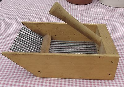 French Berry Gatherer harvest Tool Hedgerow Fruit Bush Wood Wire