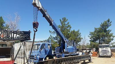 Grove 12 ton truck crane built for military