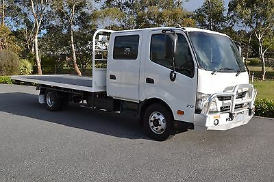 Hino 300 717 Dual Cab Series 12/2011 35500 Ks Only 7 Seats drive on car license