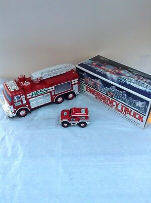 Hess Truck - Emergency Truck with Rescue Vehicle - 2005 - in new condition