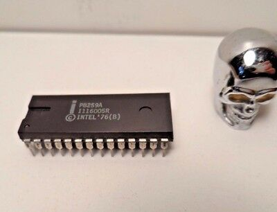 Intel P8259A  28-PIN DIP  (x1) Programmable Interrupt  coded 8048