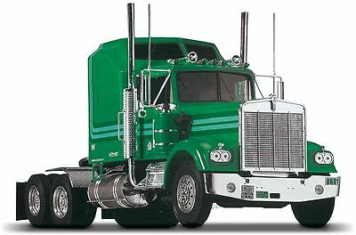 Kenworth W900 1:25 Scale Plastic Model Kit