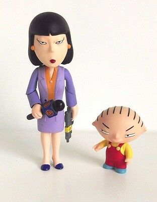 Family Guy Action Figure Stewie And Reporter Tricia Takanawa Set Mezco 2005