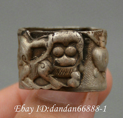 Collect Chinese old Miao silver carve animal lion statue auspicious lucky ring