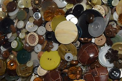 1 LB Lot Vintage Buttons Antique Glass Mixed Sewing Metal Celluloid Bakelite