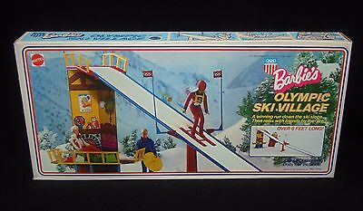 Barbie OLYMPIC SKI VILLAGE Box set lodge slope Mattel 1974 necklace NICE chair?