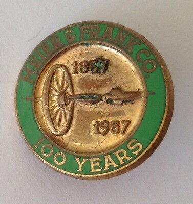 Meier & Frank Co 100 Year 1957 Wheel Rocket Rare Pin Badge Department Store (N9)