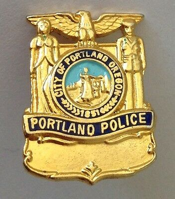 City Of Portland Oregon Police Pin Badge Rare Authentic USA Cops (N9)