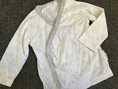 Size 000 (0-3M) ~ PURE BABY ~ White / Grey Print Long Sleeved Top ~ AS NEW!
