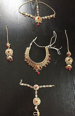 Asian Bridle Jewellery Set With Matching Clutch