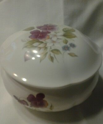 1989 San Francisco Music Box Co.This 2-piece music box with pansies plays Memory