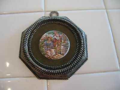 Beautiful Small Vintage Ornate Gold Frame With Round Cameo Victorian Man Lady