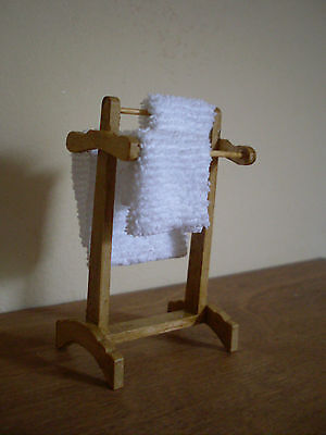 Dollshouse Miniature ~ MAPLE ~ Towel Rail
