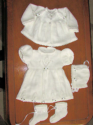 BABY WHITE  HAND  KNITTED  DRESS SET 0 to 3 months  DRESS HAT BOOTIES coat NEW