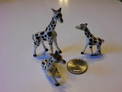 Vintage Ceramic Bisque Miniature Giraffe Family Figurines  Lot Of 3 • $11.51