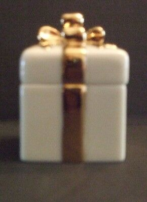 Lenox Ivory & gold trimmed small gift boxes set of 6
