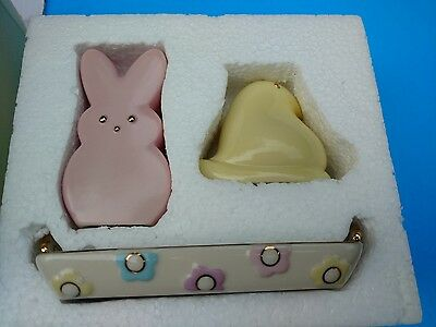 LENOX PEEPS BUNNY & CHICK  SALT & PEPPER SHAKER SET W/TRAY IN BOX :Free Ship