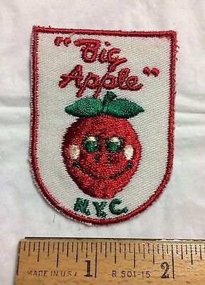 The Big Apple New York City NYC Smiley Face Apple Travel Souvenir Patch