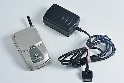 Motorola Mercedes Benz Timeport Cell Mobile Phone w/ OEM Original Charger