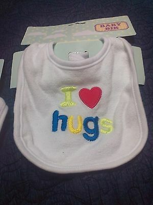 "Baby Bib ""i Love Hugs"