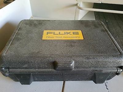Fluke DSP-FOM Fiber Test Kit   Meter (FOM) 850/1550 & Source (FOS) 850/1300