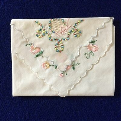 VTG Lot/2 Meikwa Handkerchiefs Scalloped Edge Embroidered Floral w/Tag
