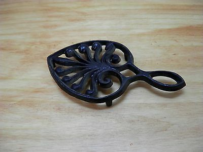 Old Cast Iron Trivet Heart Shape Floral Fancy Small Wilton Kitchenware