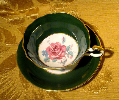 PARAGON TEA CUP & SAUCER PINK ROSE CENTER in GREEN GOLD TRIM MADE IN ENGLAND