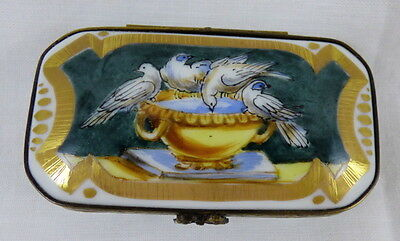 Limoges Eximious Trinket Box Birds Splashing Drinking in Water Filled Urn