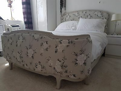 Beautiful upholstered Louis XVI Corbielle French double bed+base. + new mattress