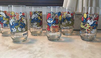 Set of 6 Hardee's promotional Smurf glasses - 1983. Complete Set
