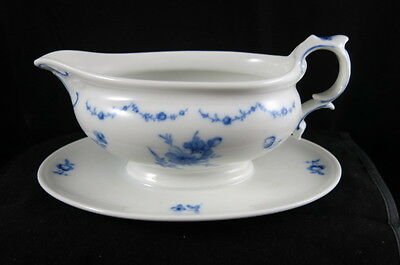 Furstenberg Lottine Gravy Boat with attached Underplate