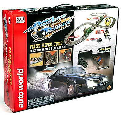 Smokey & The Bandit - Flint River Jump / Slot Car Race Set - By Autoworld
