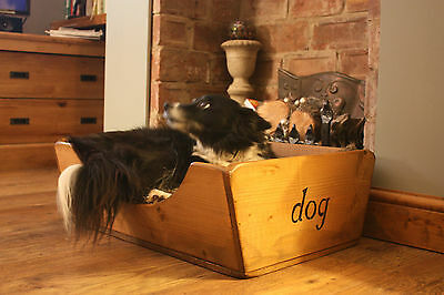 (NEW)Small Dog Bed/Beds/Basket~Wood/Wooden Bed~Old Rustic Style~Home & Garden