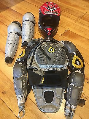 661 full face helmet Pressure Suit and Knee Shin Guards