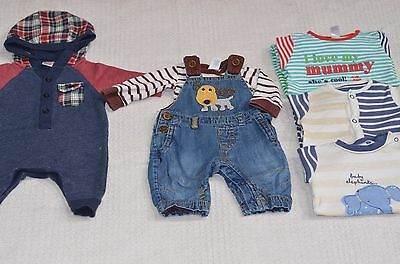 Baby Boys Upto 1 Month 100% NEXT Small Clothes Bundle (b)