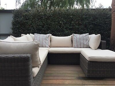 Outdoor Lounge (Hawthorn Victoria)