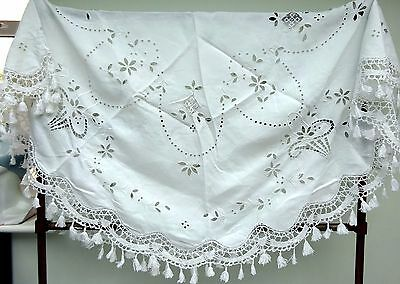 Beautiful Round Linen Tablecloth Cutwork Tassels Antique Vintage Banquet White