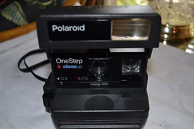 Polaroid One Step Closeup 600 Instant Film Camera w/ strap  - Working and Tested