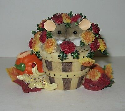 FITZ & FLOYD CHARMING TAILS AUTUMN FIGURINE 'FALL IS LOVE' 85/531 Mice Mums