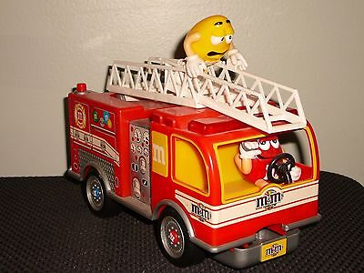 "Great M&m Collectible Dispenser ""fire Engine/truck""(Works Great)!!!!"