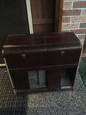 ANTIQUE  Stromberg carlson large antique radio, record player, for restoration